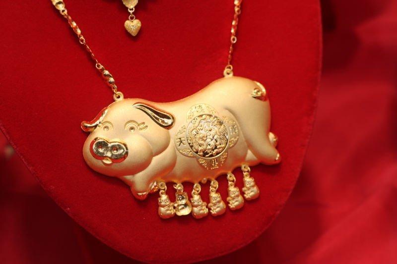 Cerditos en joyas de Chinatown