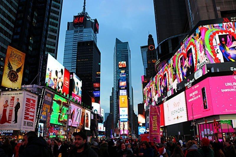 Times Square de noche, qué ver en Nueva York