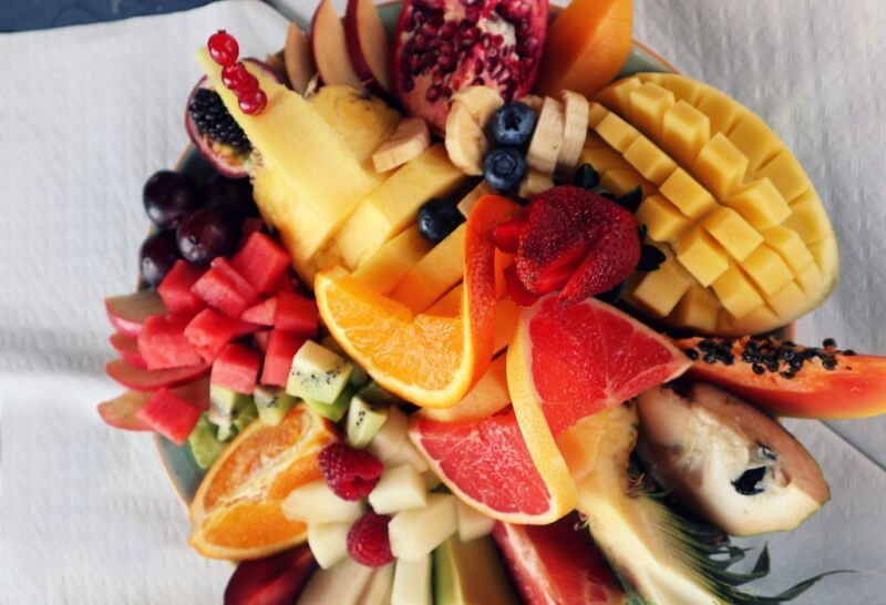 Ensalada tropical en Casa Emilio - Dónde comer en Salobreña