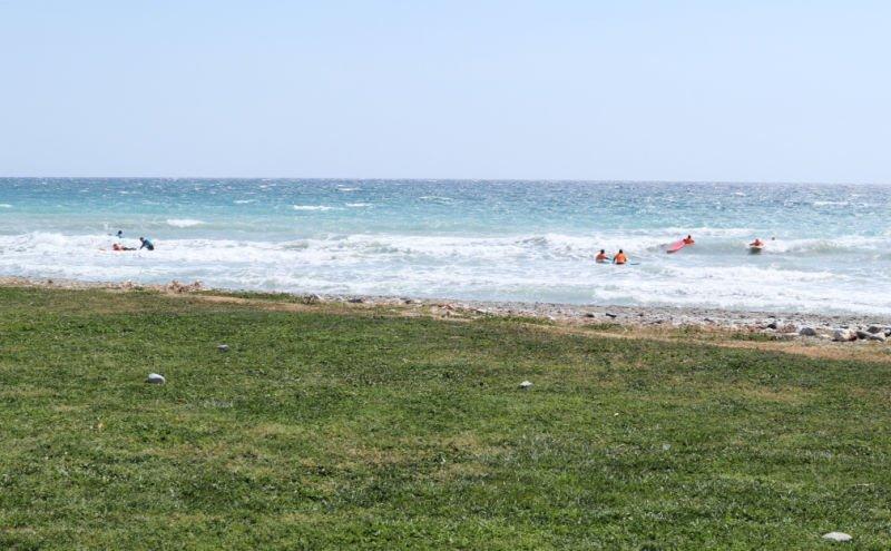 Hacer deportes acuáticos en Salobreña