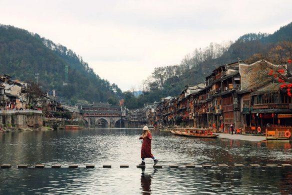 Puente de piedras de Fenghuang en China