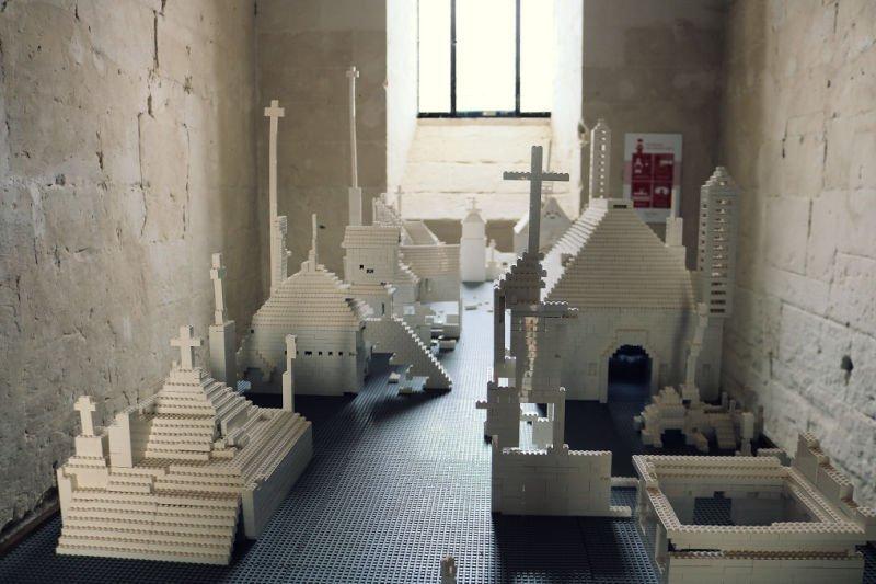 Monasterios construidos en Lego