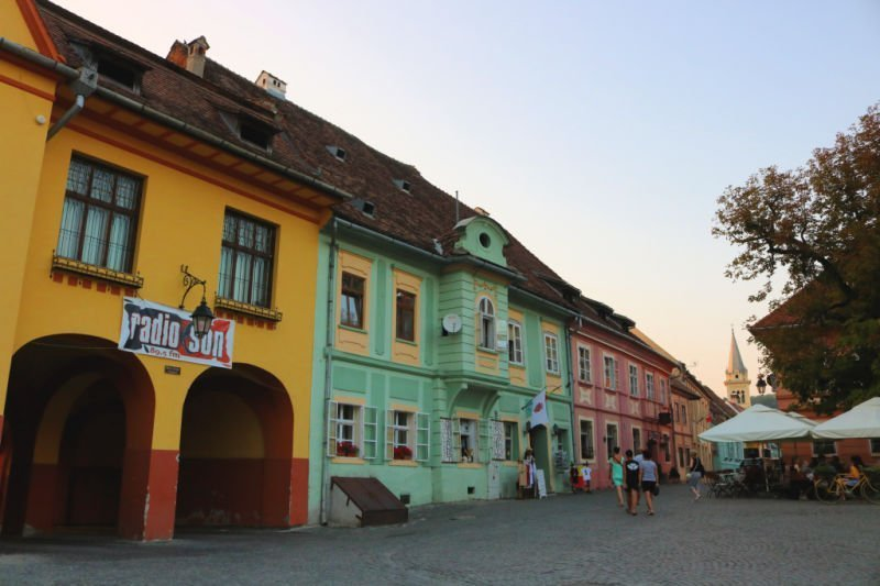 Plazas coquetas en Sighisoara