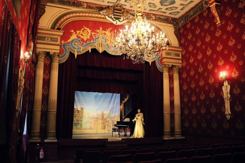 Teatro de estilo italiano en el castillo