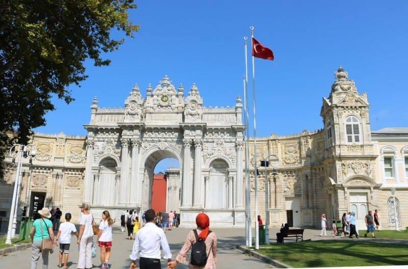 Palacio Dolmabahce, uno de los monumentos principales que ver en Estambul
