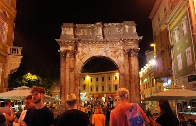 Arco de los Sergios - Qué ver en Istria