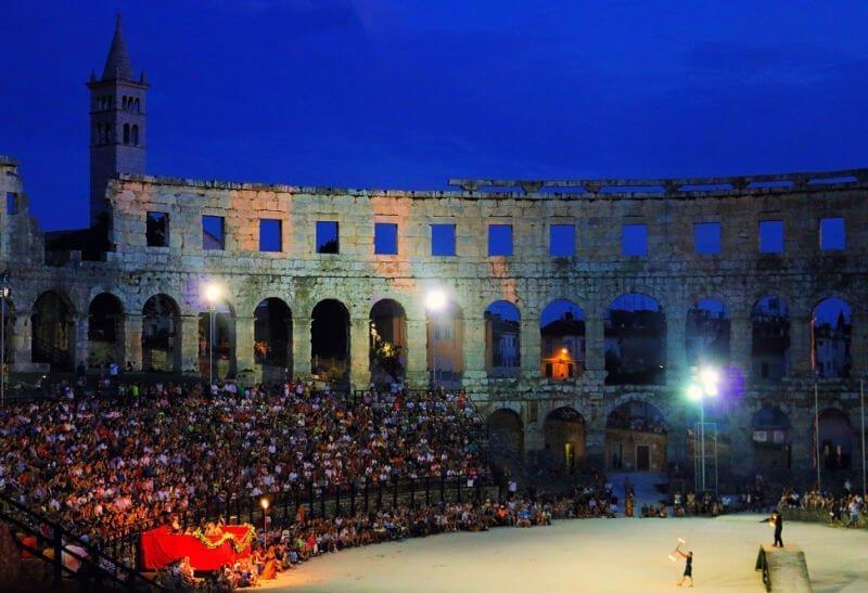 Espectáculo de gladiadores en el Anfiteatro de Pula