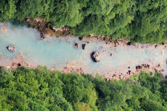 Hacer rafting en el río Tara en Montenegro