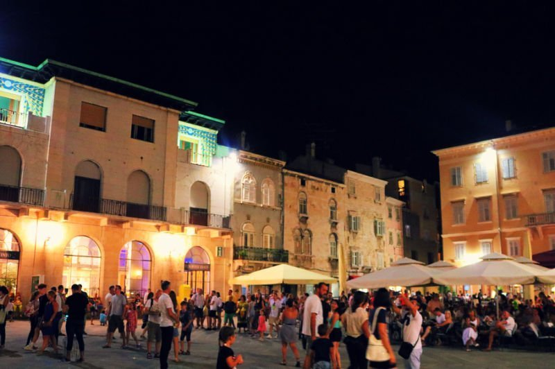 Noches con mucho ambiente en Pula