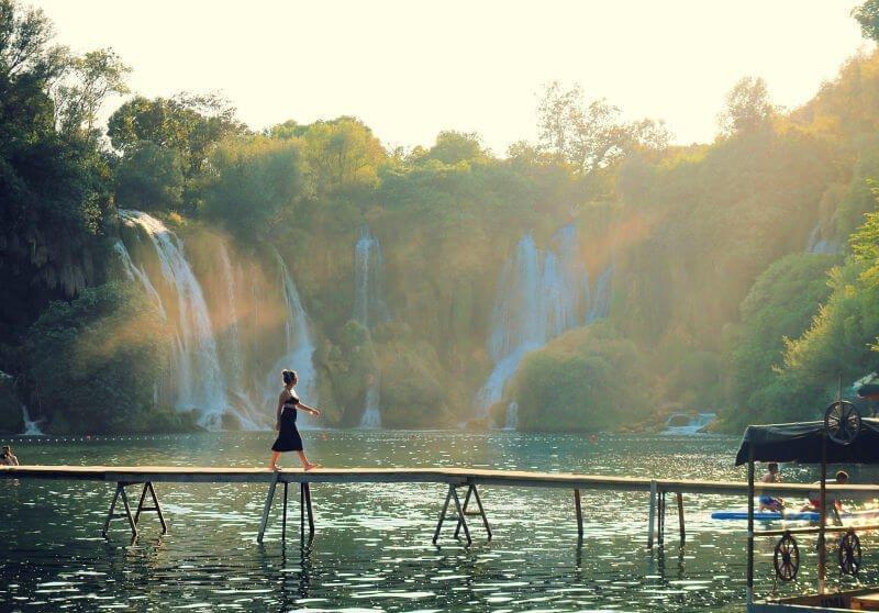 Paseo por las Cataratas de Kravice