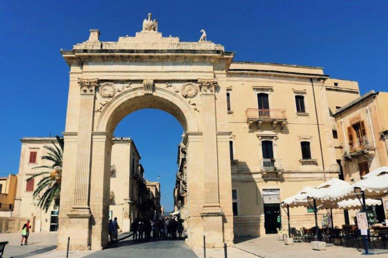 Porta Reale en Corso Vittorio Emanuele