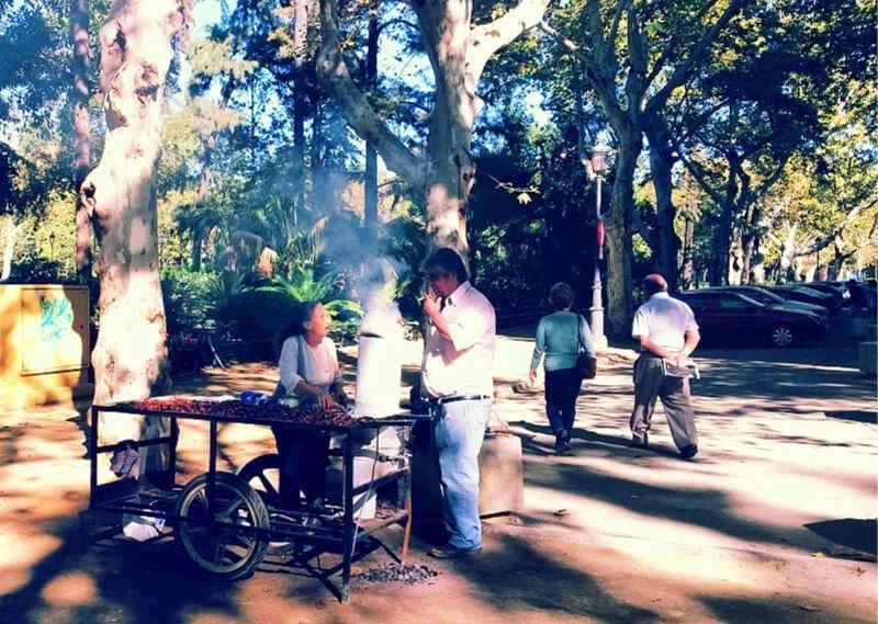 Comer castañas en Sevilla en otoño