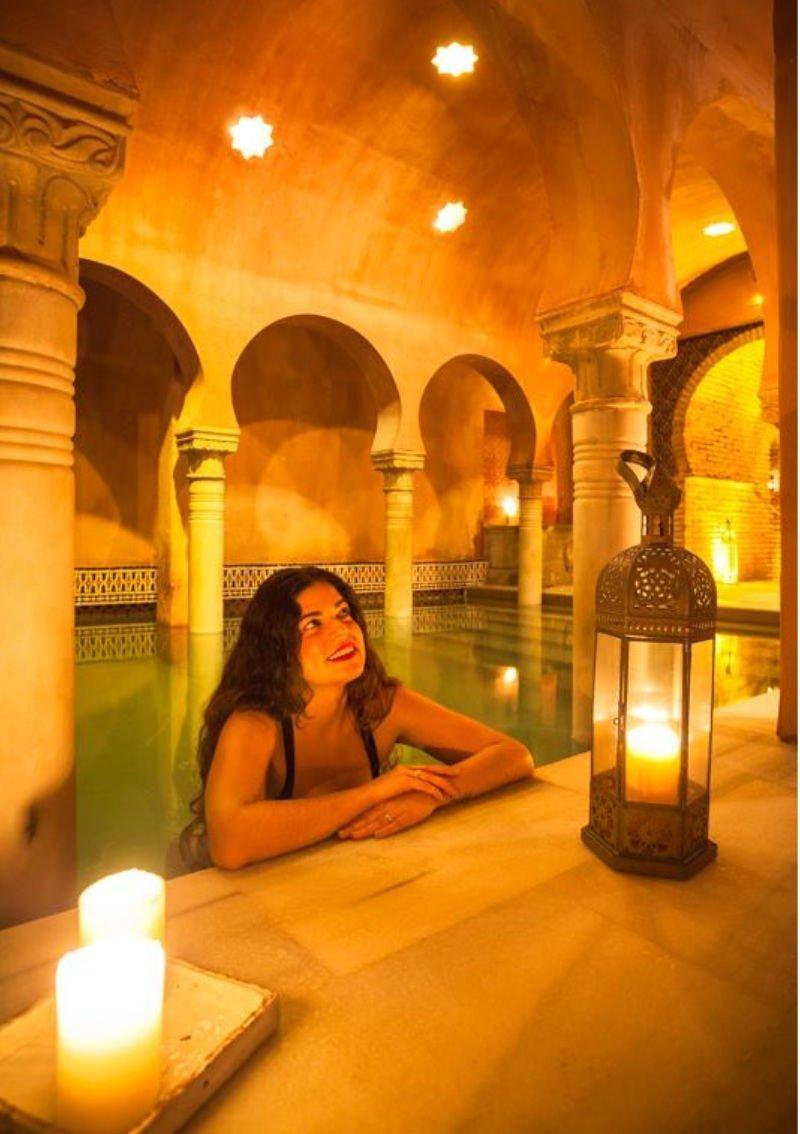 Claudia en el hammam de Granada
