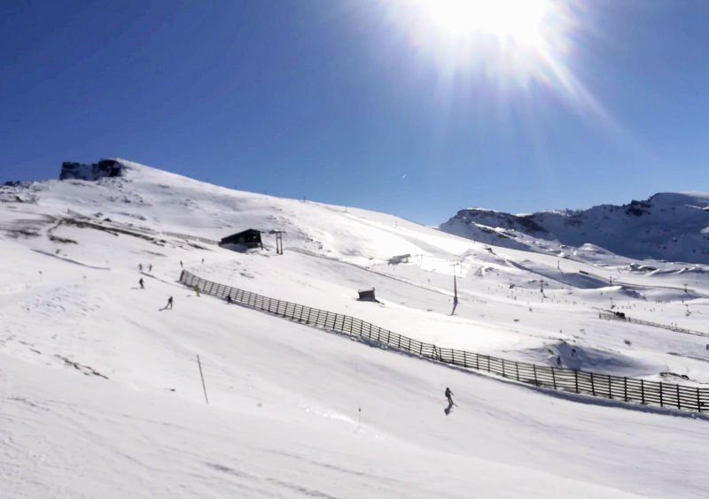 Hacer esquí en Sierra Nevada