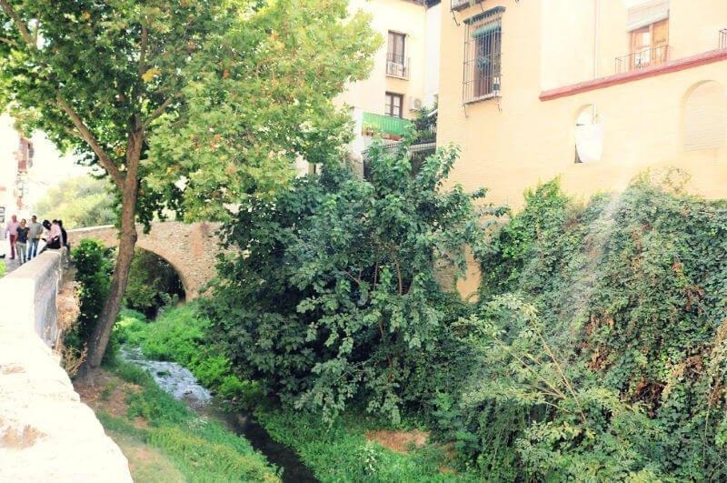 Paseo del Darro y Paseo de los Tristes que ver en Granada