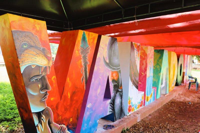 Letrero con las letras pintadas de Valladolid