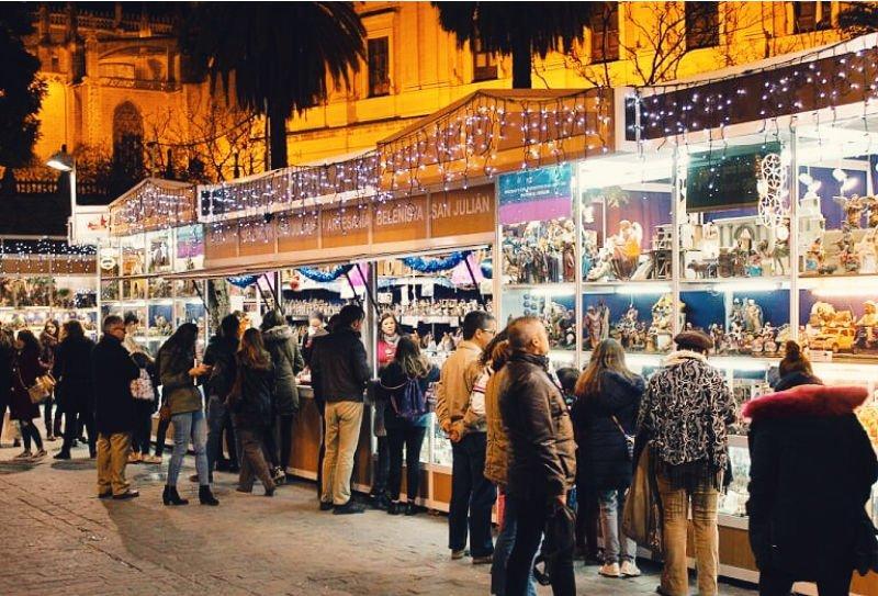 Mercado navideño de Sevilla de figuras para el Belén
