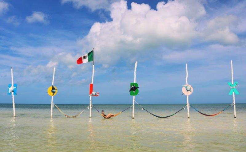 Qué hacer en Holbox, hamacas en la playa