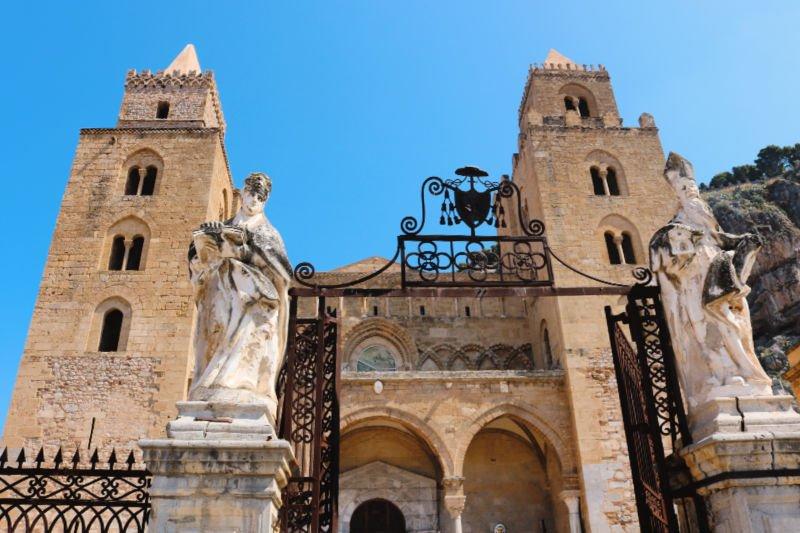 El Duomo de Cefalú es el templo más importante