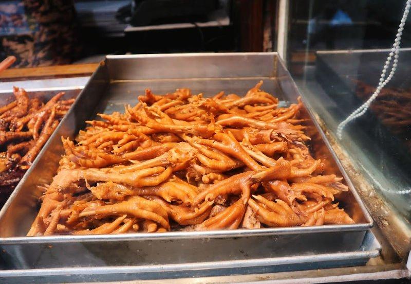 Las famosas patas de pollo chinas