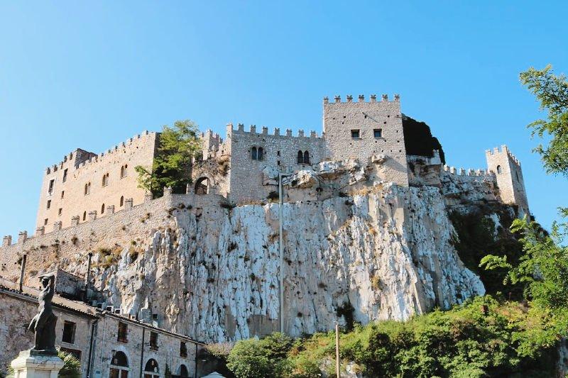 Castillo de Caccamo: ruta por Sicilia