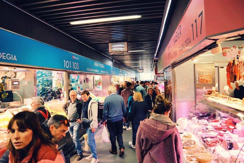 Mercado de la Ribera puestos