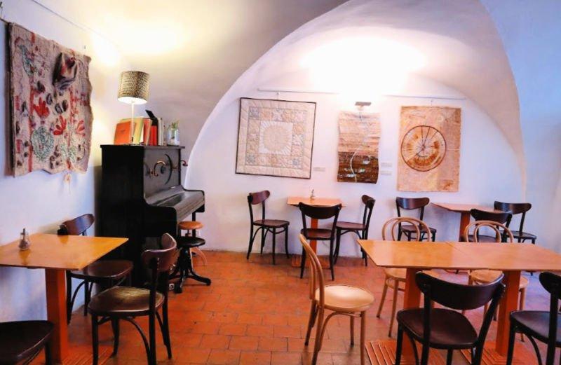 Café literario de Tyn, coqueto y céntrico en Praga