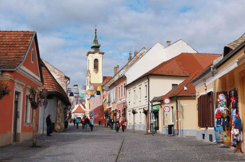 El bello pueblo serbio húngaro de Szentendre