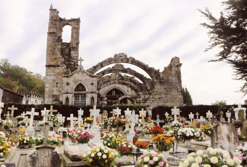 Las ruinas de la iglesia de Cambados - Excursión desde Santiago