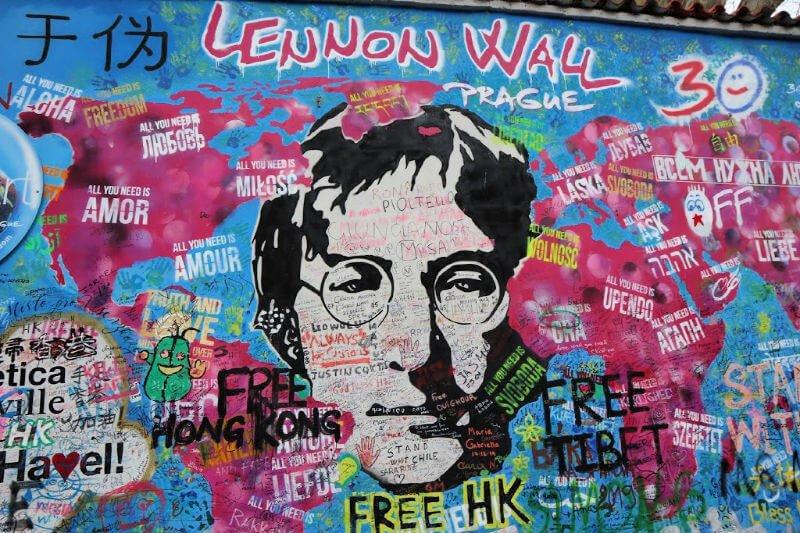 Qué ver en Praga: el muro de John Lennon