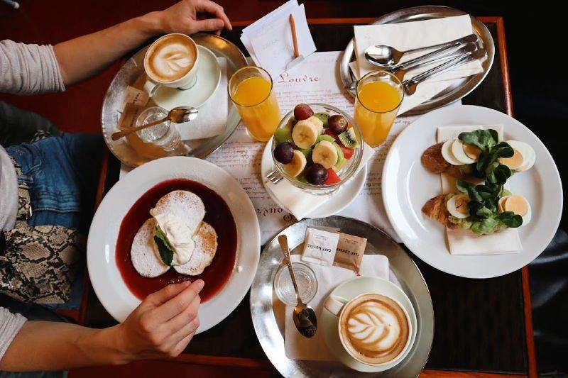 Ruta por las cafeterías más bonitas de Praga - Café Louvre