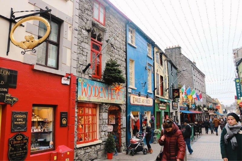 Shop Street y el anillo de Claddagh - Visitar Galway
