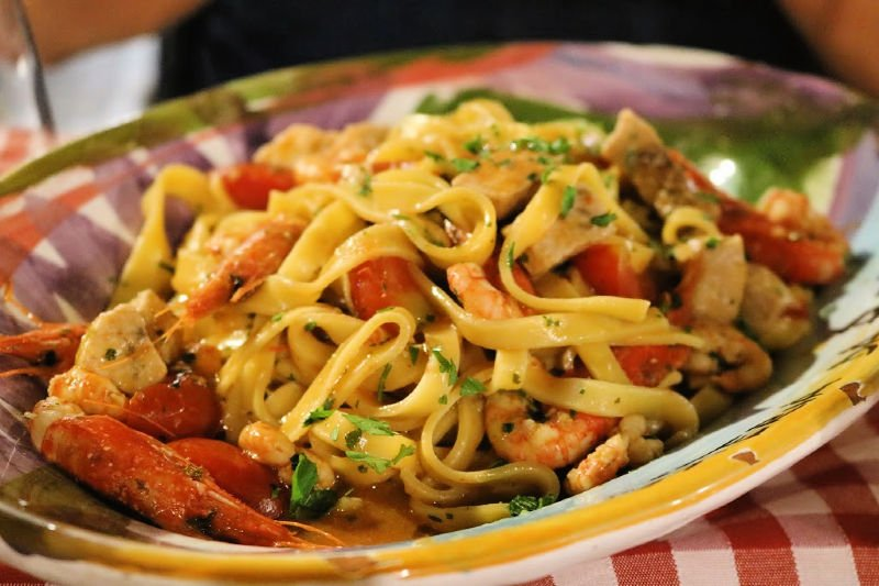 Tomar el aperitivo en Taormina