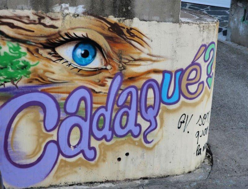 Graffitis en las calles de la costa