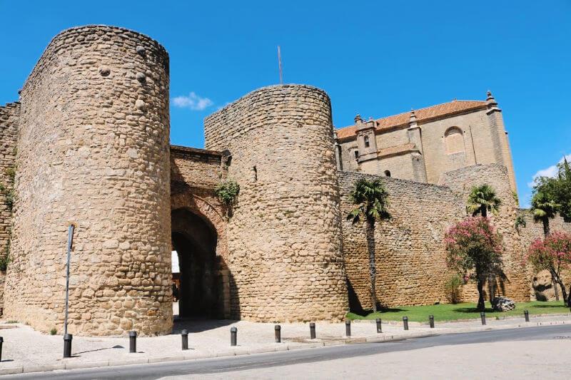 Puerta de Almocábar - Qué ver en Ronda