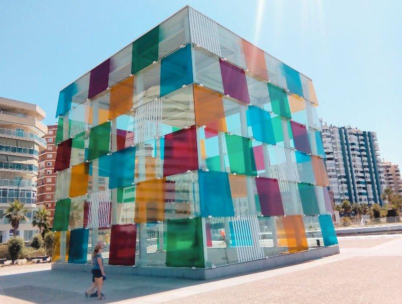 Qué hacer en Málaga: pasear por el Muelle 1