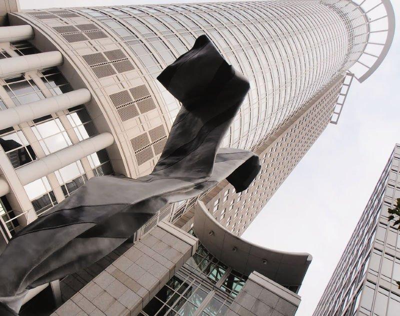 Escultura de la corbata - Qué visitar en Frankfurt