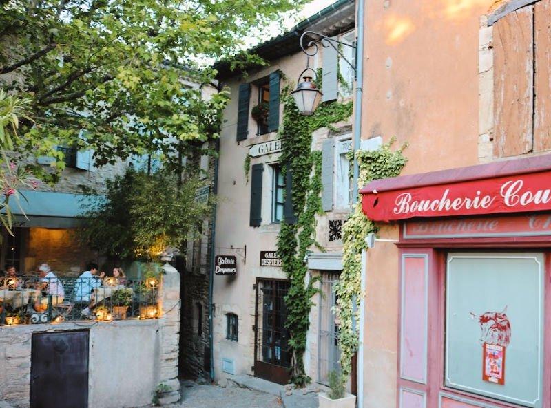 Qué bonito es Gordes en Francia
