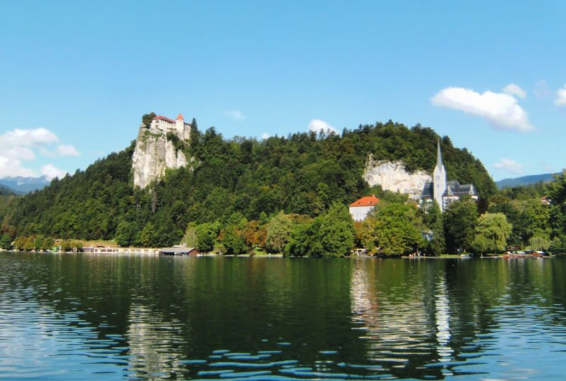 El Lago Bled es una de las atracciones principales que ver en Eslovenia