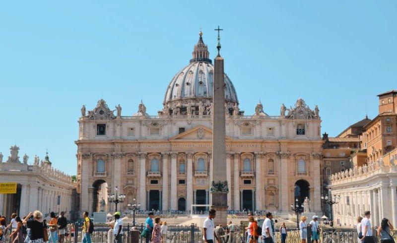 Plaza de San Pedro en Roma