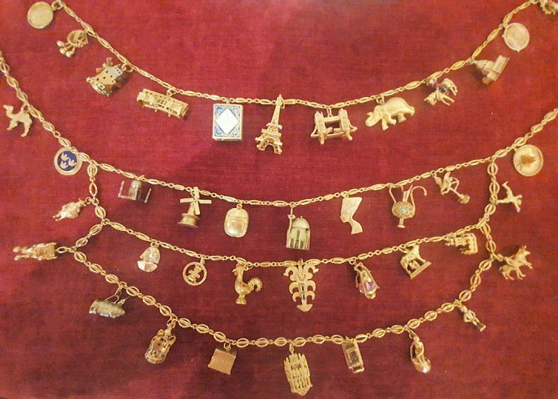 Colgantes de oro viajeros