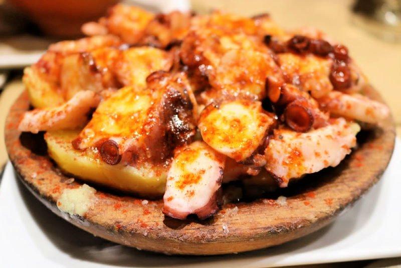 Dónde comer pulpo a feira en Santiago de Compostela