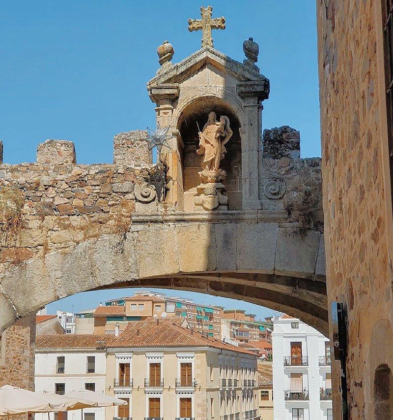 El Arco de la Estrella y la Plaza Mayor