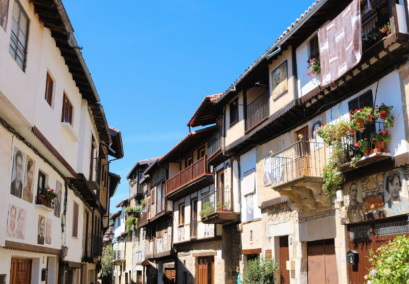 Casas con fotografías en las fachadas en Salamanca
