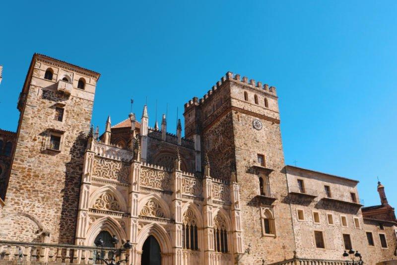 Cómo visitar el monasterio: horario, precios entrada, etc.