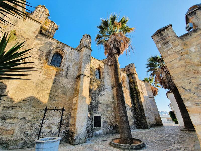 Iglesia del Divino Salvador y su mezcla de estilos