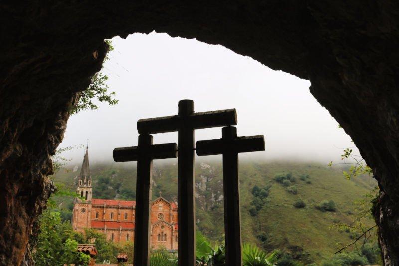 La Cueva del Santuario de Covadonga