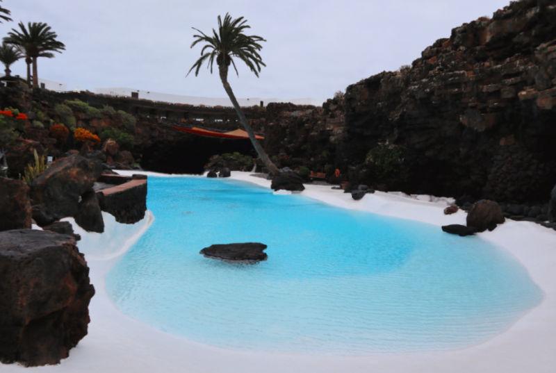 Monumentos imprescindibles de Lanzarote: los Jameos del Agua