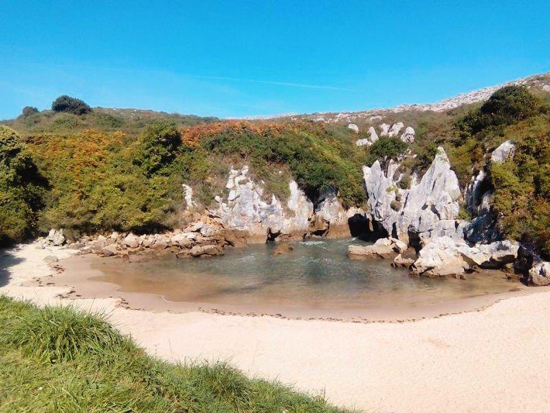 Playa de Gulpiyuri - La más curiosa de Asturias