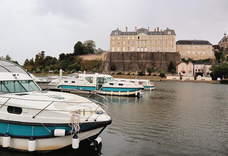 Barcos de alquiler sin carnet en Sablé-sur-Sarthe, turismo fluvial